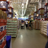 Photo taken at S&R Membership Shopping by Belle on 4/28/2013