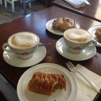 Photo taken at Ms. Dahlia's Cafe by John H. on 11/22/2012