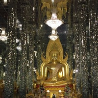 Photo taken at วิหารแก้ว 100 เมตร วัดท่าซุง by 🌺💃Sine FineDay🌸🎀 on 11/20/2016
