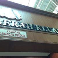 Photo taken at Pejabat Tanah Kluang by __aunty-Tan__ on 5/15/2013