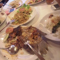 Photo taken at D'Cost Seafood by 'ipoet' p. on 6/15/2014