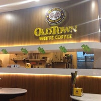 Photo taken at OldTown White Coffee by JessyDec on 7/14/2014