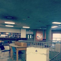 Photo taken at Engineering & Computer Science Library by Frazzle D. on 11/30/2013