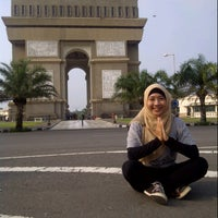 Photo taken at Simpang Lima Gumul Kediri by Dewi F. on 2/9/2013