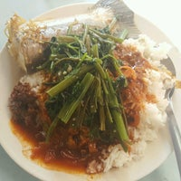 Photo taken at Restoran Mixed Rice 23 by Andrew P. on 8/31/2016