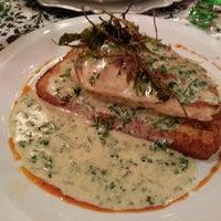 Photo taken at VeintiCinco Restaurant by Ruben G. on 12/11/2013