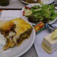 Das Foto wurde bei VIC Cafeteria von Bramantio U. am 2/7/2014 aufgenommen