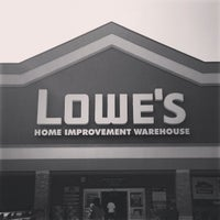 Photo taken at Lowe's Home Improvement by Zignat A. on 9/7/2013