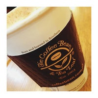 Photo taken at The Coffee Bean & Tea Leaf by Mai P. on 5/5/2013