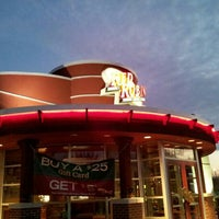 Photo taken at Red Robin Gourmet Burgers by gee g. on 11/23/2012