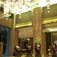 Photo taken at Sheraton Guangzhou Hotel 广州喜来登酒店 by Paul on 5/12/2013