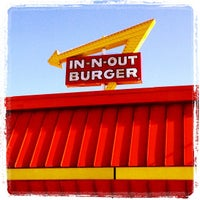 Photo taken at In-N-Out Burger by Billy H. on 4/19/2013