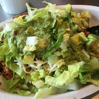 Photo taken at Chipotle Mexican Grill by John F. on 8/27/2016
