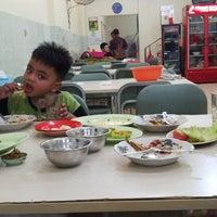 Photo taken at Nasi Uduk & Ayam Goreng Toha by Maretha Azka A. on 10/20/2014
