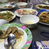 Photo taken at ข้าวต้มอนันต์ (หนวดอุดมสุข) by BëwTy S. on 3/12/2016