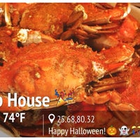 Photo taken at The Original Crab House by Yang Z. on 11/1/2013