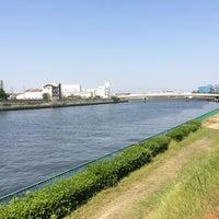 Photo taken at 神崎川河川敷 by kamo_yan on 5/16/2014