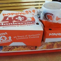 Photo taken at Popeyes Louisiana Kitchen by Atl B. on 2/27/2012