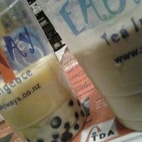 Photo taken at Easy Way - Tea & Café by Aqilah B. on 4/4/2012