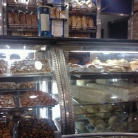 Photo taken at Panaderia y Pasteleria Alianza by Andres C. on 5/31/2012