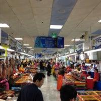 Photo taken at Jagalchi Fish Market by Choi H. on 3/31/2012