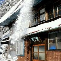 Photo taken at 古民家ゲストハウス 梢乃雪 by subuta on 3/29/2014