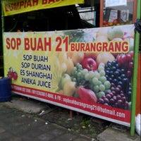 Photo taken at Sop buah 21 Burangrang by Liriana Dita P. on 11/2/2012