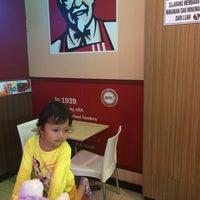 Photo taken at KFC basko grandmall by Funfun Cky Lieden F. on 3/2/2016