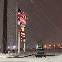 Photo taken at Sheetz by Shinya T. on 3/17/2014