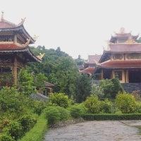 Photo taken at Thiền Viện Trúc Lâm Bạch Mã by Linh Đ. on 9/12/2016