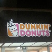 Photo taken at Dunkin' Donuts by 🌴 erica 🌴 on 10/15/2012