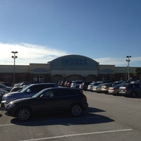 Photo taken at Bealls Florida by Brannan W. on 11/29/2013