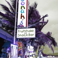 Photo taken at Jonah's Fruitshake and Snackbar by Faye on 5/20/2013