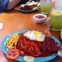 Photo taken at Taman Jurong Market & Food Centre by Azmano L. on 8/2/2016