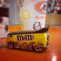 Photo taken at Burger King by Pugar Restu J. on 5/6/2016