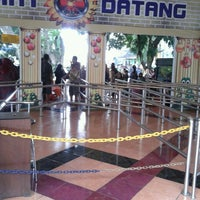 Photo taken at Taman Rekreasi Sengkaling by Damien F. on 12/22/2013