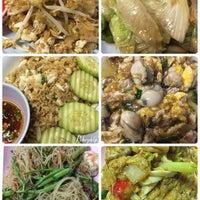 Photo taken at เจ๊นา หูฉลาม by 🎅Mkkz✨ M. on 10/15/2016