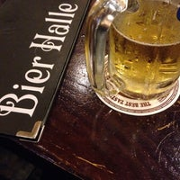 Photo taken at 비어할레 / Bier Halle by JungKyu C. on 7/25/2014