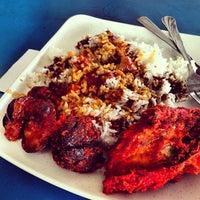 Photo taken at Restaurant Biriyani Sri Manjung by Dexter T. on 5/12/2013