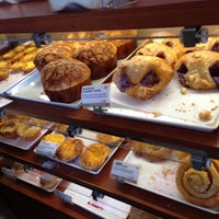Photo taken at 85°C Bakery Cafe by Jose B. on 5/8/2013