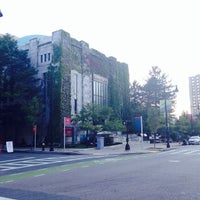 Photo taken at Boston University Morse Auditorium (BU Morse) by لمى 🕊 on 8/8/2014