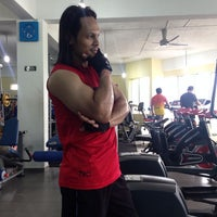 Photo taken at AL-FALAH Gym & Fitness Club by Iszuan Z. on 12/25/2013