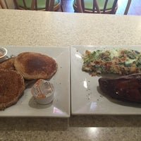 Photo taken at Nature's Grill by Stephen G. on 10/1/2015