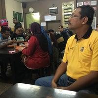 Photo taken at Satay Warisan by xitol on 9/13/2016