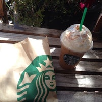 Photo taken at Starbucks by 🌴Pina 🌺 G. on 9/26/2013
