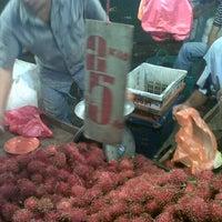Photo taken at Pasar Malam Jalan Kuching by Azian V. on 1/17/2013