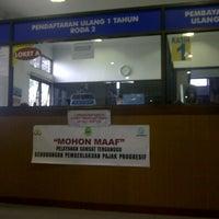 Photo taken at Samsat Bandung Tengah by soni h. on 6/19/2013