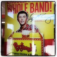 Photo taken at Bojangles' Famous Chicken 'n Biscuits by MT S. on 5/13/2013