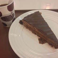 Photo taken at O Melhor Bolo de Chocolate do Mundo by Suzanne S. on 5/15/2014