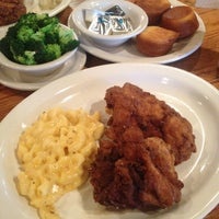 Photo taken at Cracker Barrel Old Country Store by Kyle D. on 9/29/2013